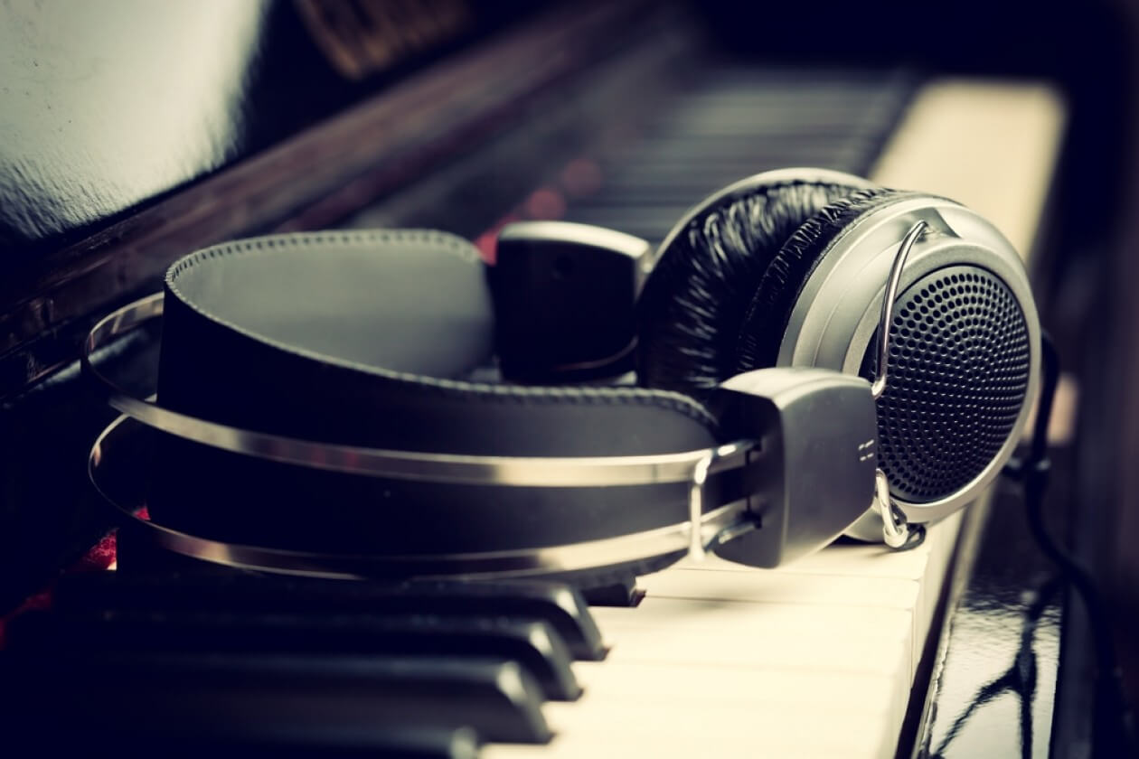 Music license- licenses required for restaurant business